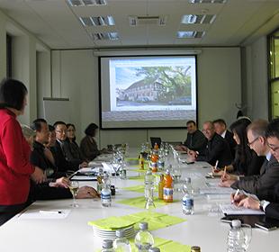 Delegation aus chinesischen Investoren bei Frey Architekten Freiburg