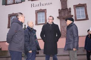 Frey Architekten Freiburg chinesische Investoren zu Besuch in Bahlingen