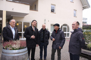 Frey Architekten Freiburg chinesische Investoren zu Besuch in Eichstetten