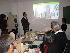 chinesische Investoren bei Frey Architekten in Freiburg-Rieselfeld