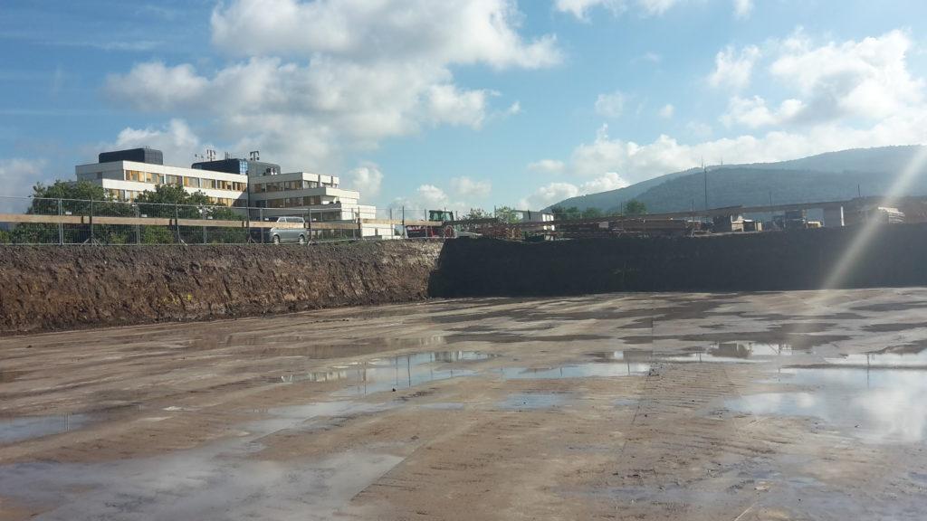 2015-09-24: Erdaushub Aufnahme Bodenschichten Bauteil B / Haus B