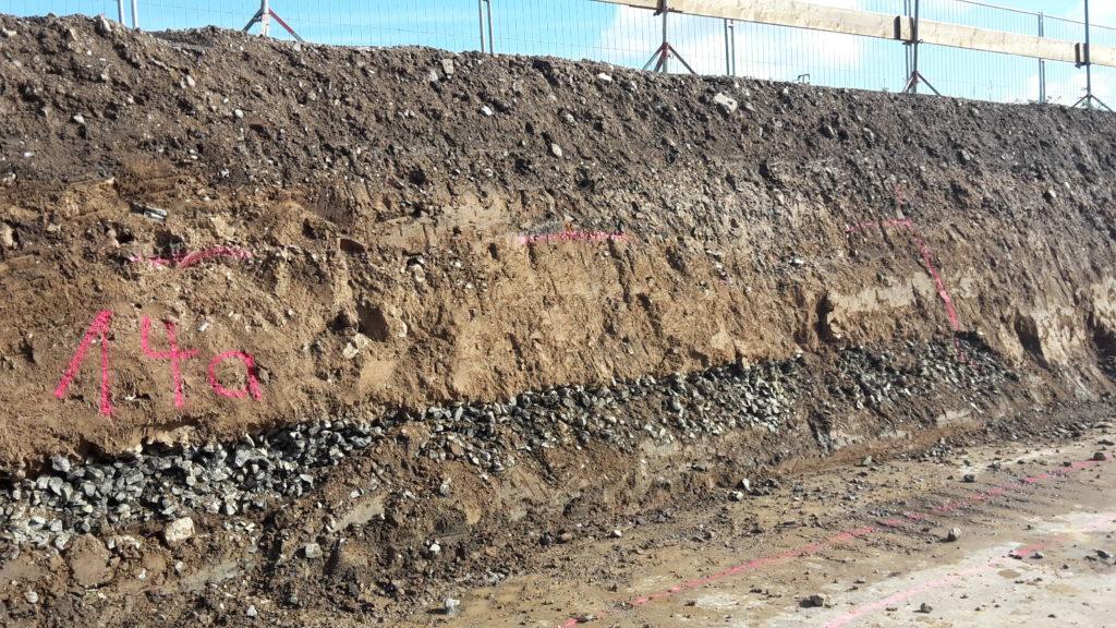 2015-09-24: Erdaushub Aufnahme Bodenschichten Bauteil B