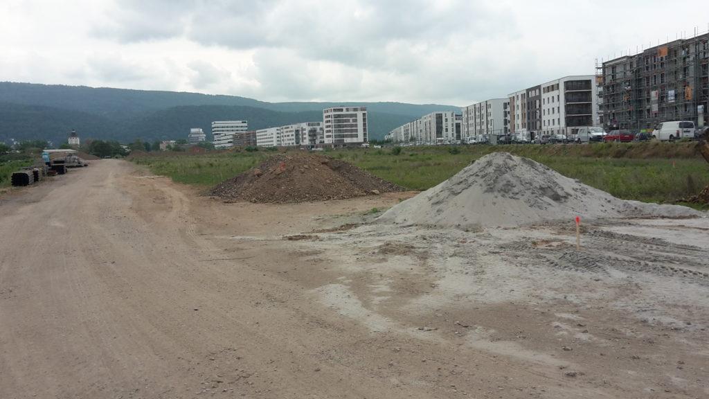 2015-05-26: Das Grundstück wurde eingezäunt