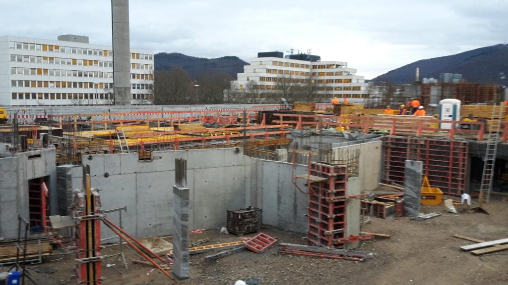 Bauteil A: Herstellen der Stützen im UG