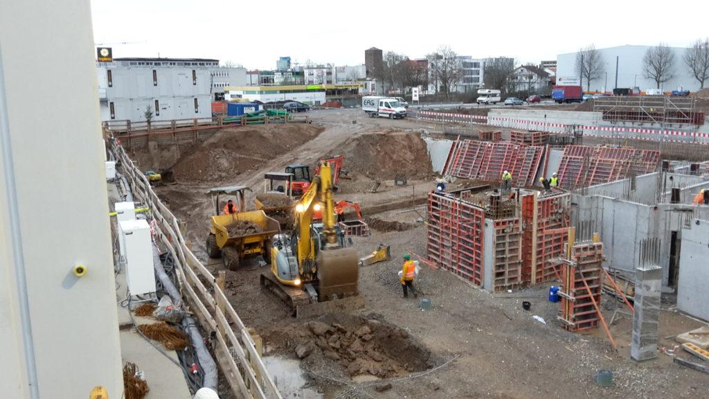 Ausschachtung der Fundamentstützen im Bauteil A