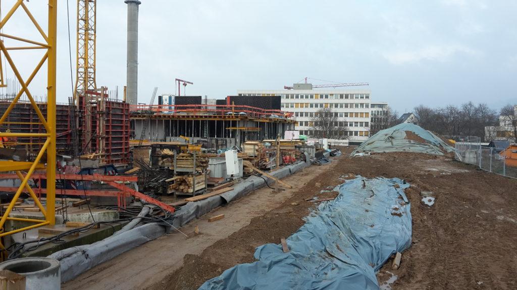 Bauteil B: Herstellen Wandschalung über 1. OG aus Richtung Tiefgarageneinfahrt