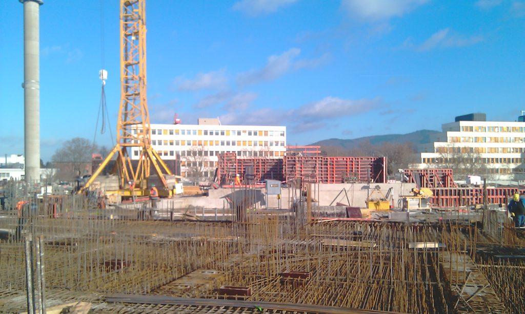 Bauteil B: Bewehrungsarbeiten Kellerdecke Achse 20 / O