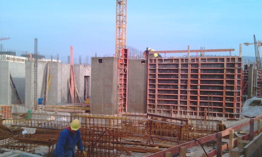 Bauteil B: Herstellen der Wände im EG