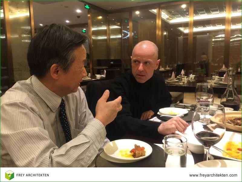 Politischer Dialog zwischen Architekt Wolfgang Frey und Qiu Baoxing