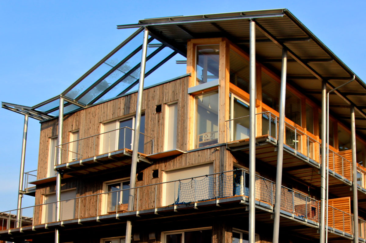 Frey architekten projekte green building das holzhaus for Holzhaus architektur