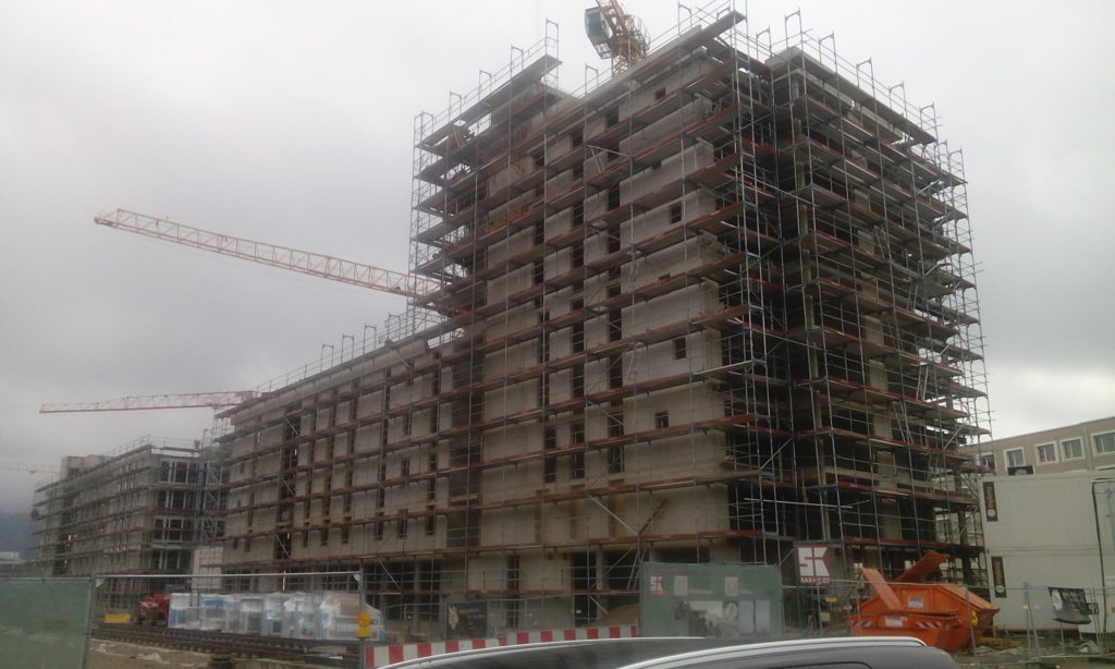 Bautenstand Haus A/B Decke über 7. OG fertiggestellt.