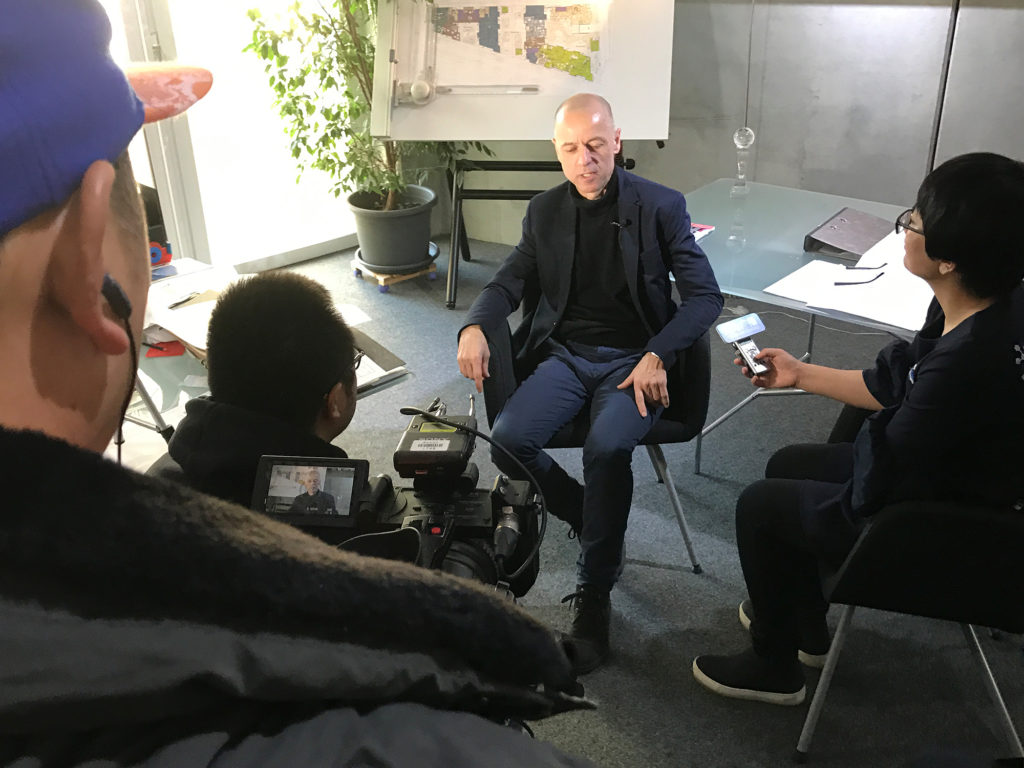 The Chinese camera team interviews architect Wolfgang Frey